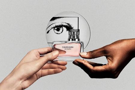 CALVIN KLEIN WOMEN: Um perfume para mulheres por mulheres