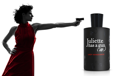 Arme-se com a fragrância provocante de Juliette Has a Gun